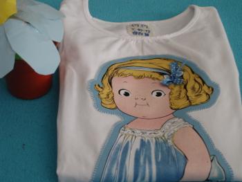 camiseta muñeca grande azul