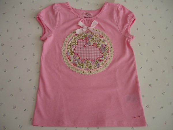 camiseta rosa conejito copia