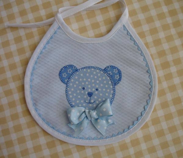 babero oso azul