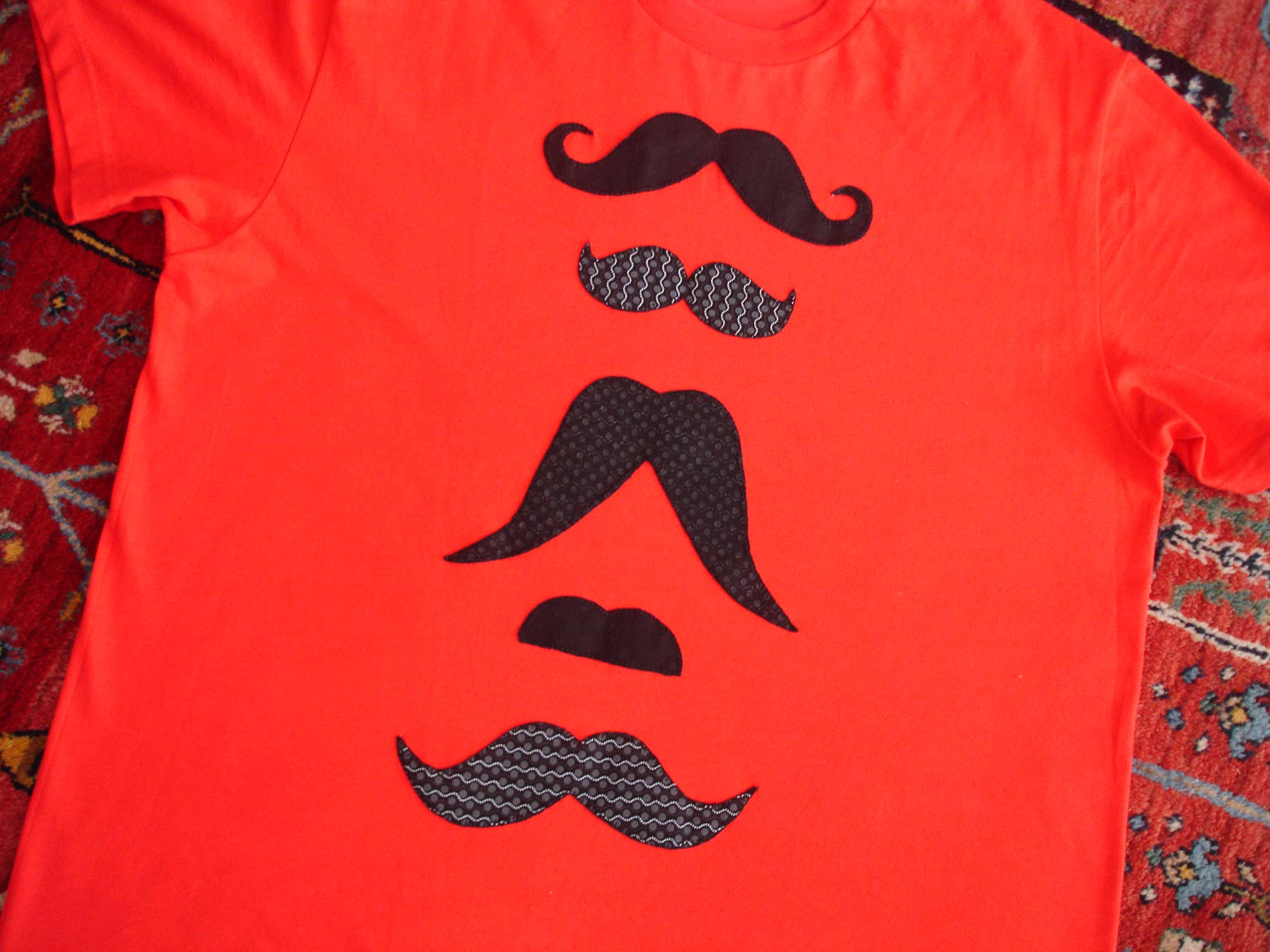 Camiseta bigotes Mario 1