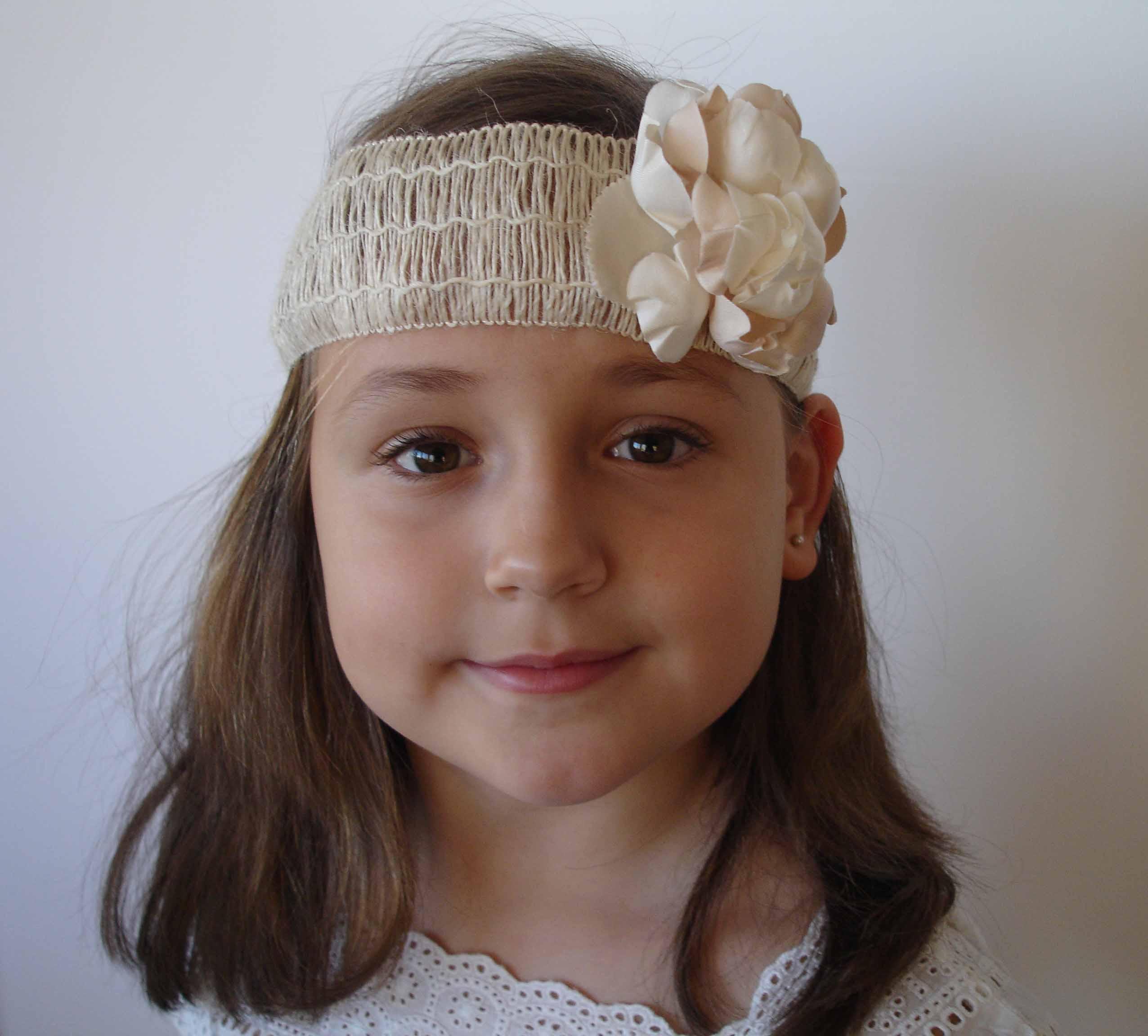 turbante rafia y flor Valeria 6