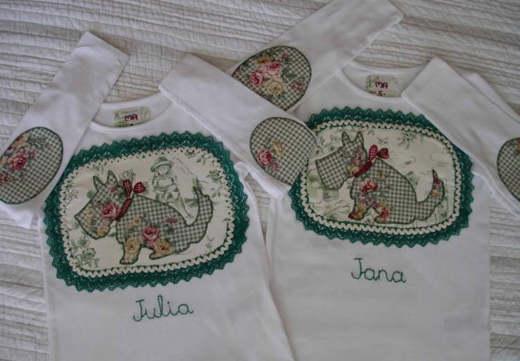 Camisetas Jana y Julia. Perritos
