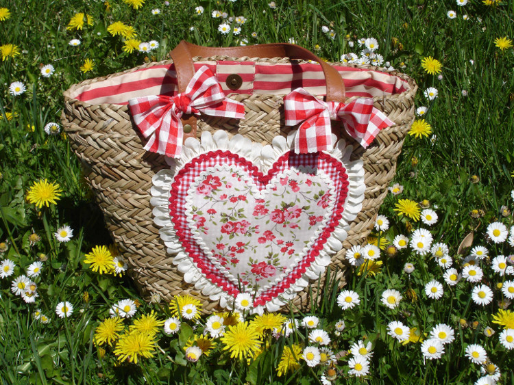 capazo corazón flores 2